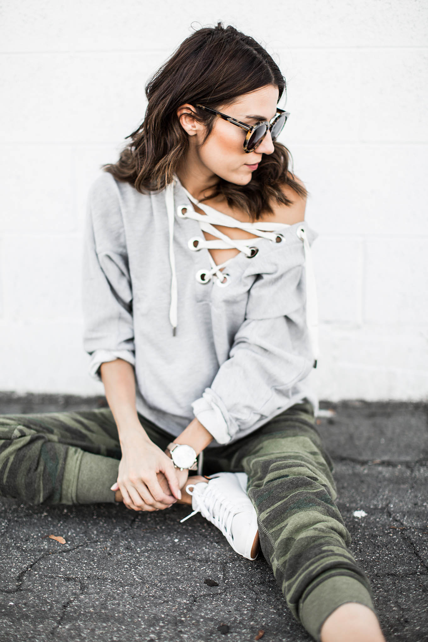 hello fashion lace-up sweatshirt