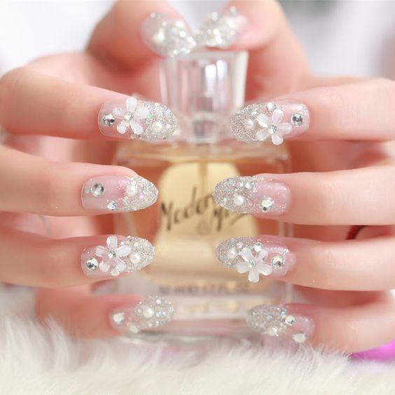 gyaru christmas nails