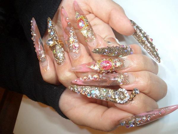 Flashy gyaru nail art inspiration