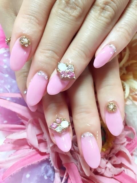 Cute pink short nail inspiration