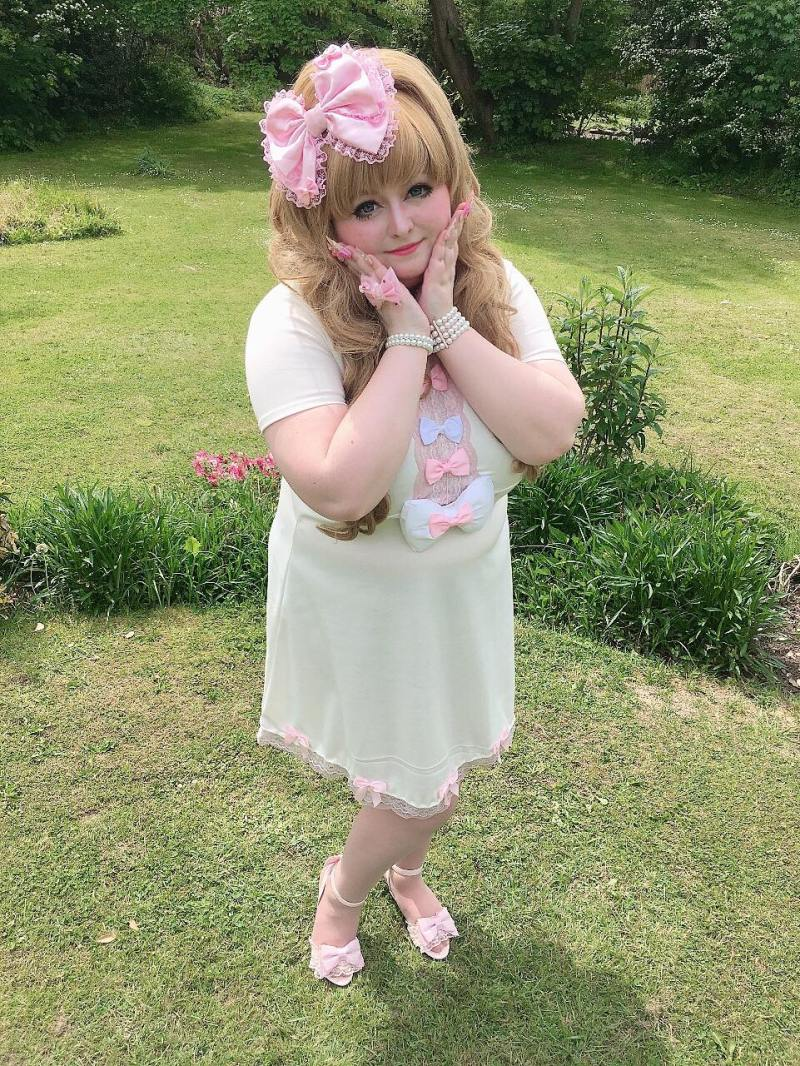 Plus-size hime gyaru, Danielle, from the UK