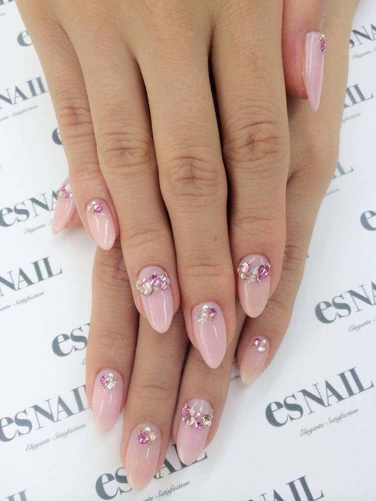 Simple nail art inspiration for gyaru