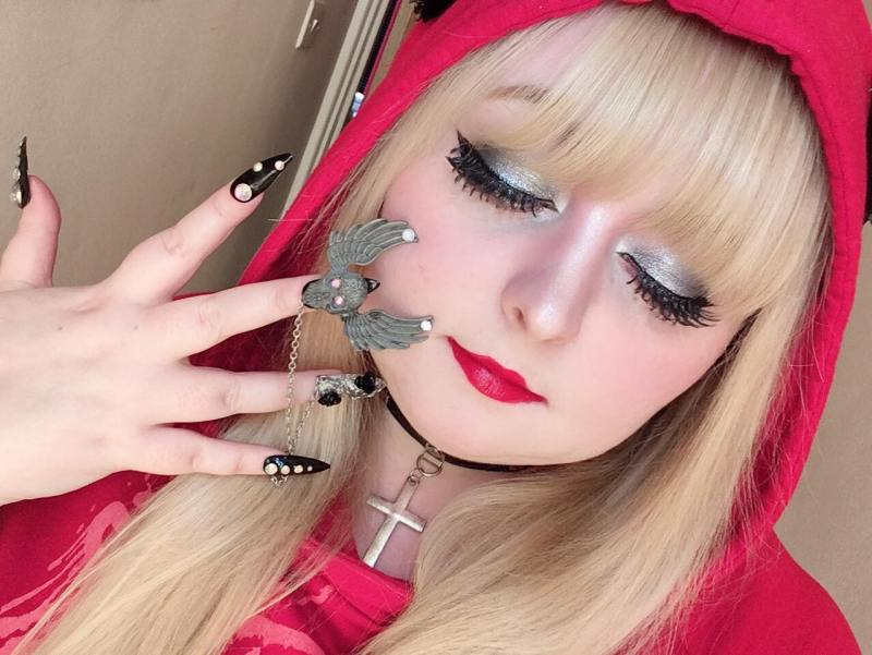 Top tips on how to do gyaru when plus size via hellolizziebee