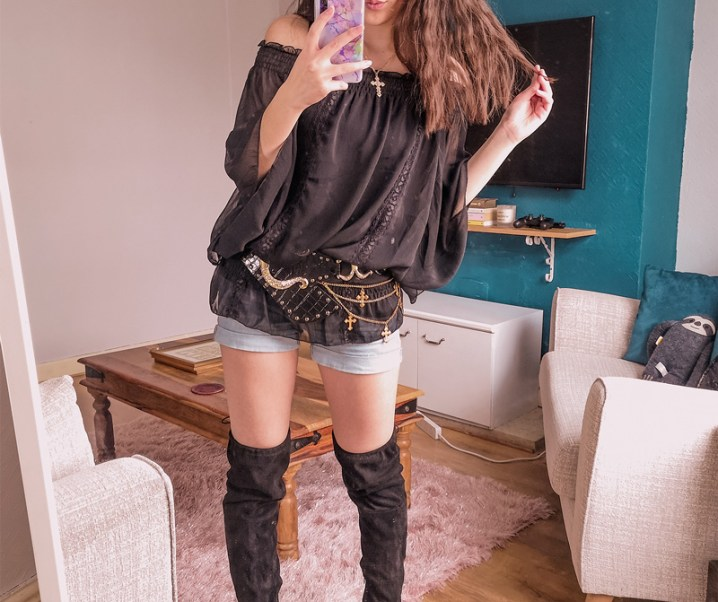 How to Style Denim Shorts for Gyaru (in 7 Ways!)