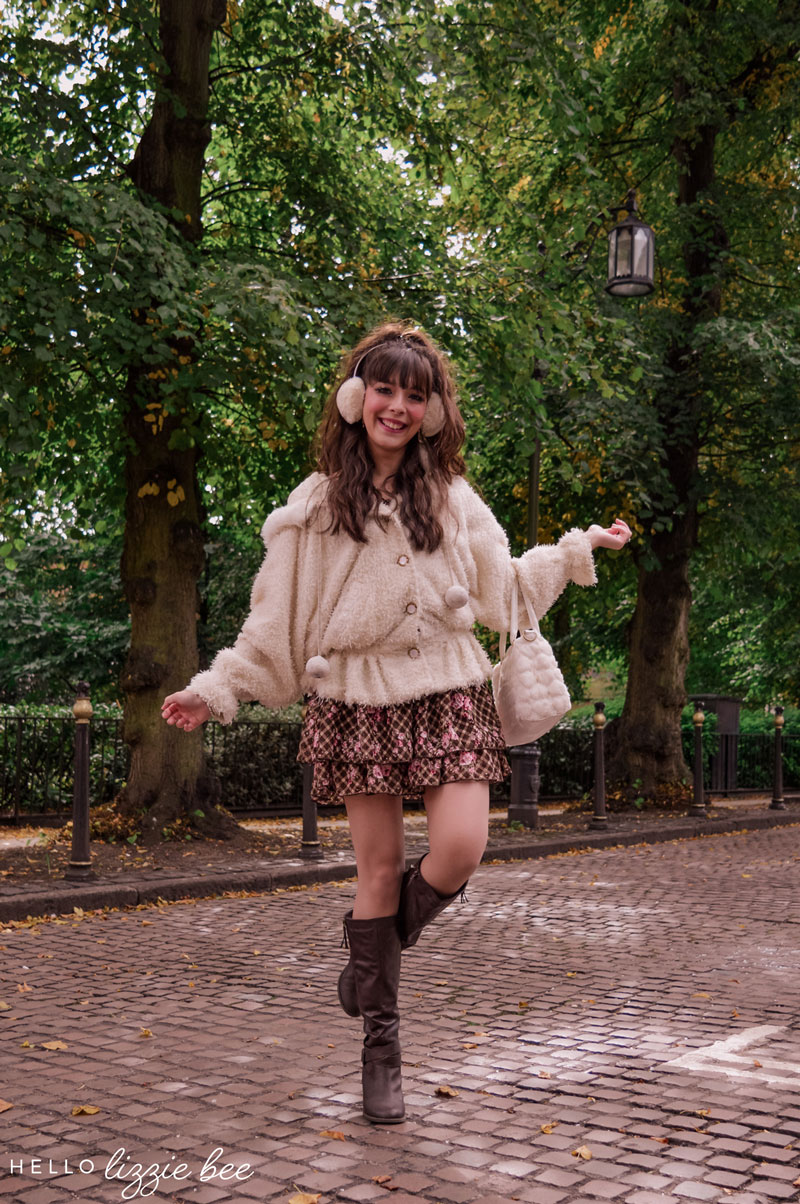 Cute and cosy Liz Lisa outfit for Autumn by hellolizziebee