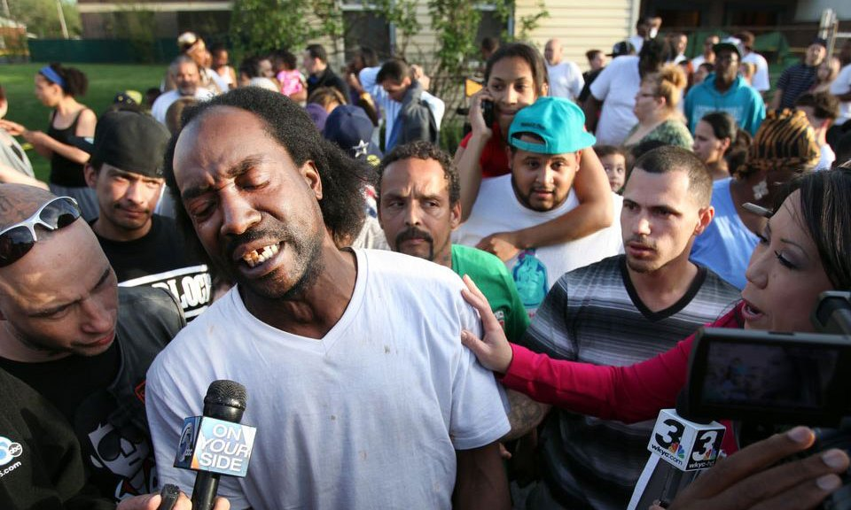 Charles Ramsey rescued kidnapped Amanda Berry and is the best interview of all-time.