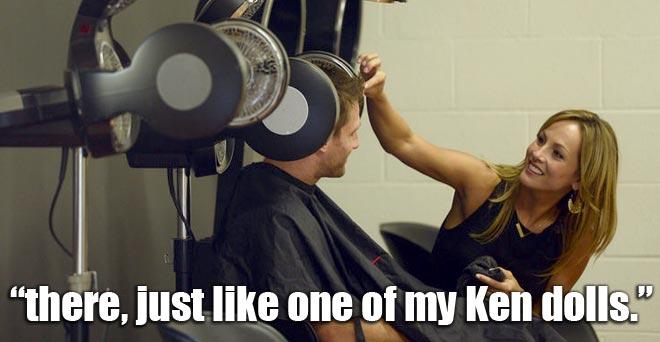 Clare gives the Bachelor Juan pablo a haircut in Sacramento.