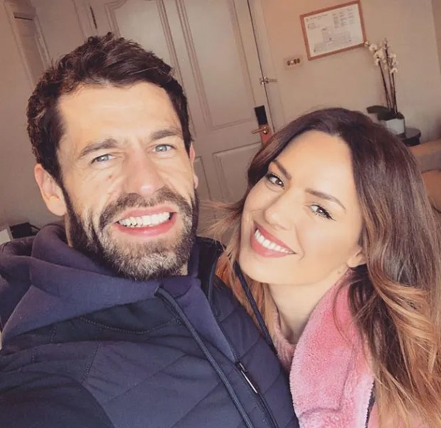 kelvin-fletcher-wife-liz-selfie