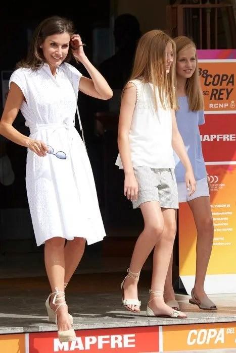 queen-letizia-white-dress