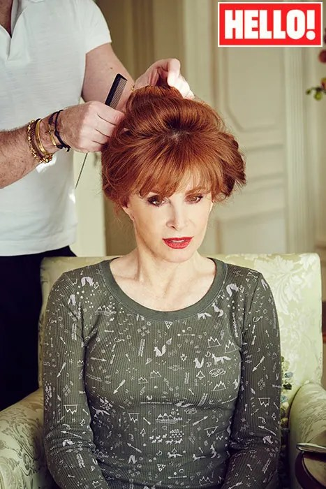 How To Achieve Stefanie Powers BAFTA Look