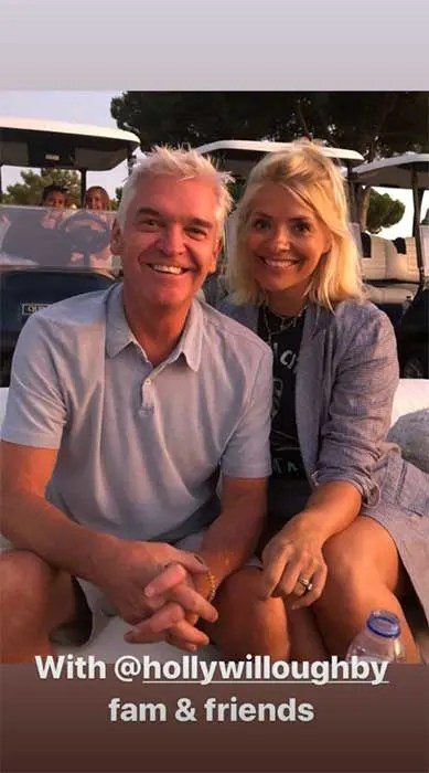 Holly Willoughby shows off trendy new hairstyle – and you're going to want to copy it