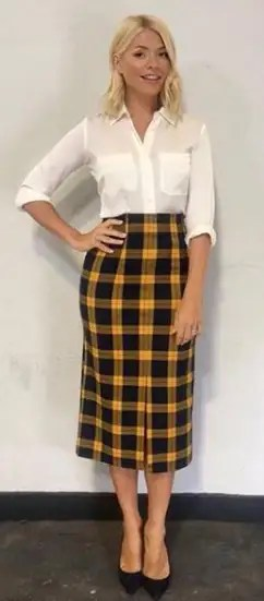 holly-willoughby-yellow-checked-skirt-instagram