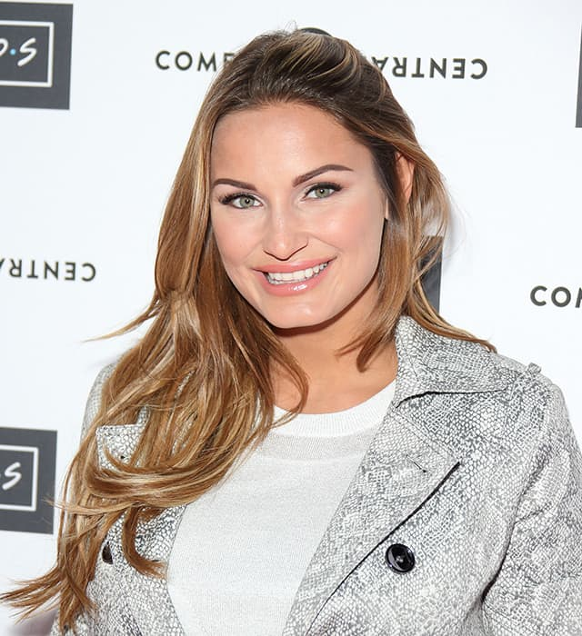 Sam Faiers We Are Keeping Babys Gender A Surprise