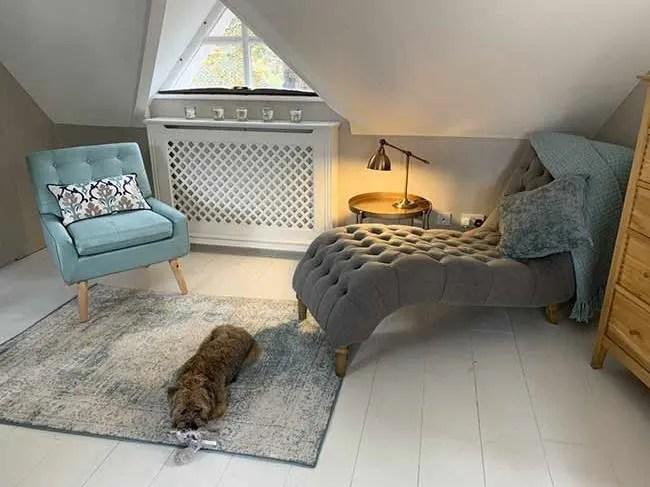 Lorraine-Kelly-house-bedroom-chaise-longue