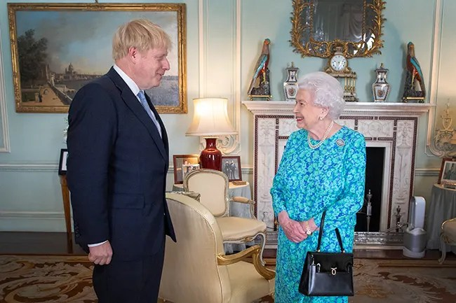 queen-and-boris-johnson-buckingham-palace