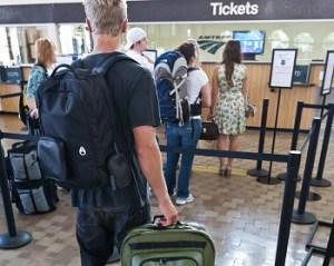 jaga koper saat liburan