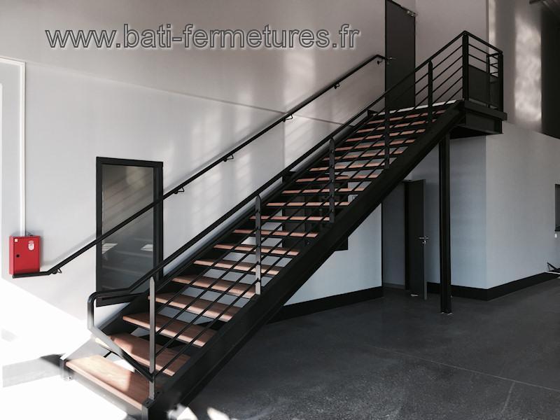 escalier droit en fer pas cher