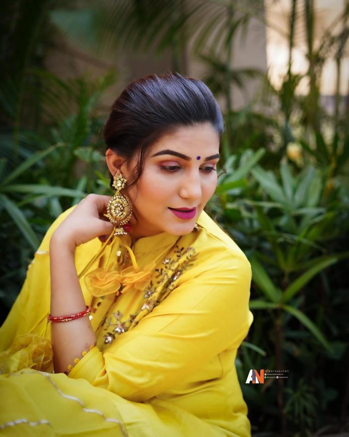 Haryanvi Dancer Sapna Choudhary , Yellow Suit Photos,Sapna Choudhary Viral On Social Media,Sapna chaudhary, New Haryanvi song 2019,Spana Choudhary Song,sapna choudhary accident,New Haryanvi Song,New Latest Haryanvi Song, सपना चौधरी न्यू सॉन्ग, Sapna Chudhary Instagram, Sapna Choudhary, Sapna Choudhary Family, सपना चौधरी, Sapna Chudhary song 2021,