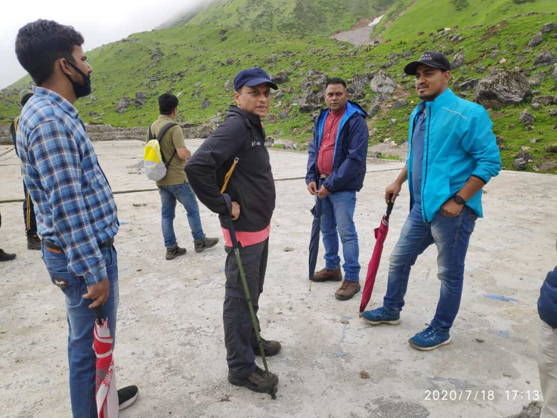 सचिव पर्यटन दिलीप जावलकर पैदल 18 किलोमीटर की चढ़ाई चढ़कर पहुंचे केदारनाथ धाम, 104 करोड़ रुपये से किए जाने वाले कार्यों का किया नियोजन 3