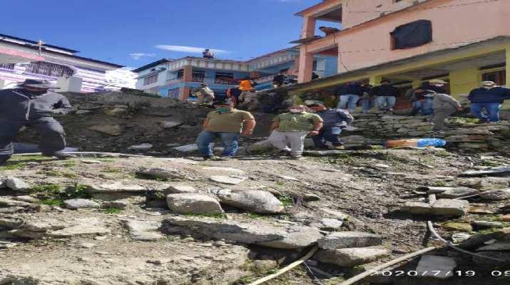 सचिव पर्यटन दिलीप जावलकर पैदल 18 किलोमीटर की चढ़ाई चढ़कर पहुंचे केदारनाथ धाम, 104 करोड़ रुपये से किए जाने वाले कार्यों का किया नियोजन 1