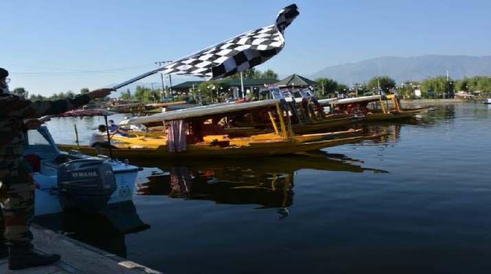 Jammu & Kashmir: Army conducted Shikaar race at Dal Lake 1