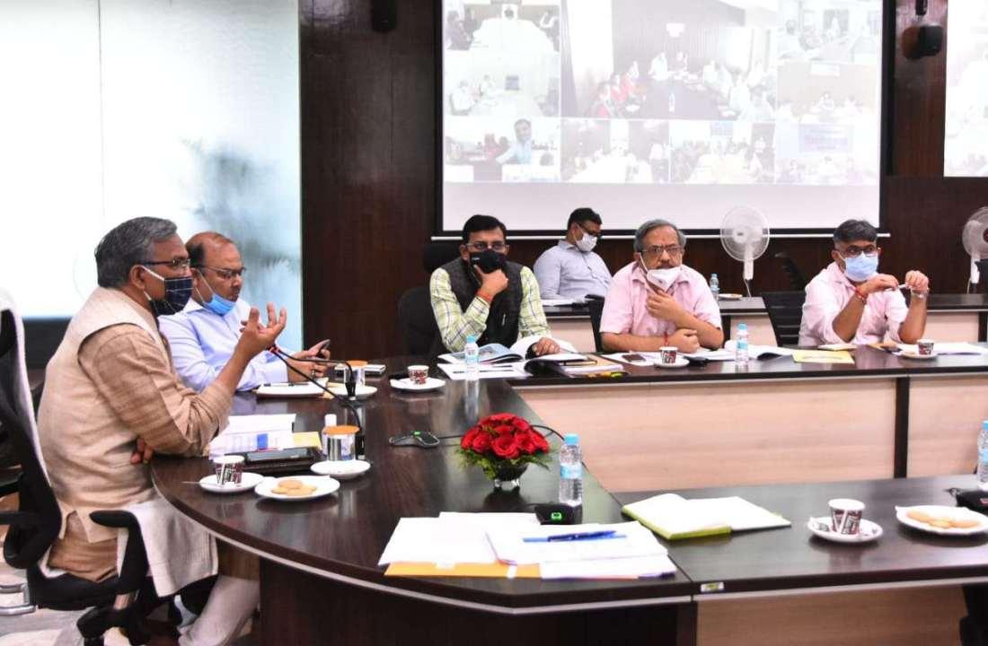 उत्तराखण्ड के उत्पादों का अम्ब्रेला ब्रांड बनाया जाएगा, ग्रोथ सेंटर लक्ष्य निर्धारित कर काम करें-मुख्यमंत्री त्रिवेन्द्र सिंह रावत 2