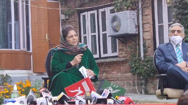 Jammu & Kashmir: Mehbooba Displays Flag Of Erstwhile J&K State In Her Presser 1
