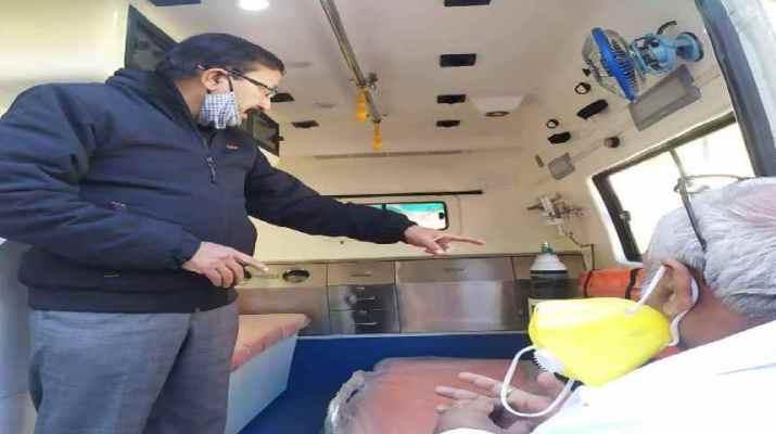 उत्तरकाशी: एनटीपीसी ने मरीजों को आपातकालीन सेवाएं के लिए जिला अस्पताल को दी नई एंबुलेंस 1