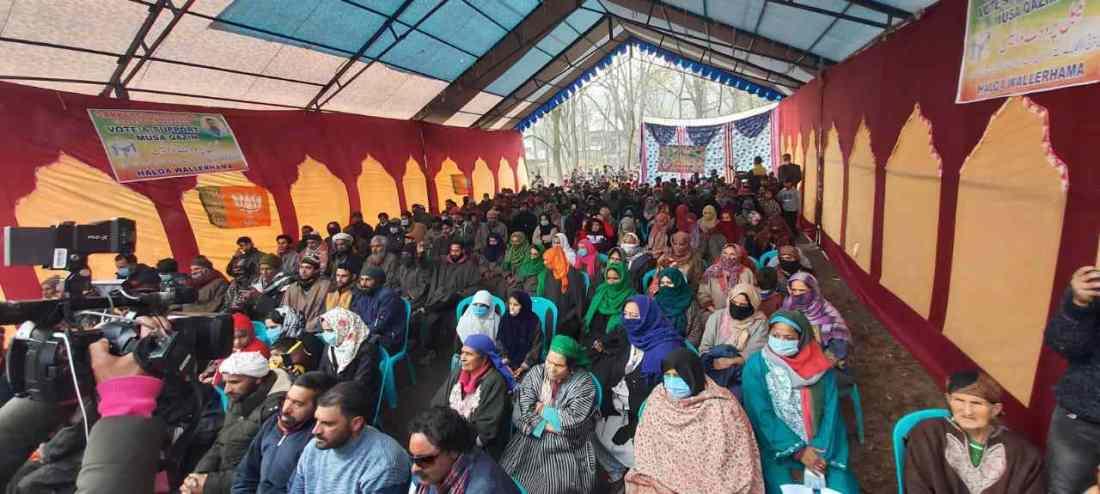 "Jammu & Kashmir: Warmly Received by Enthusiastic workers and public amidst sloganeering like ""Shanawaz zindabaad Modi Zindabaad, BJP zindabaad"" 3"
