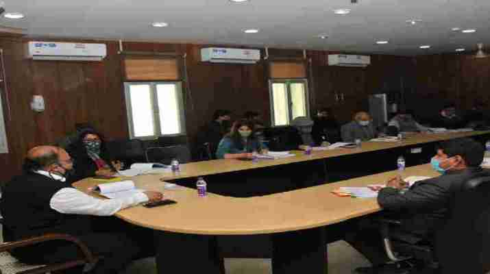 मुख्यमंत्री पलायन रोकथाम योजना के अंतर्गत राज्य स्तरीय एम्पावर्ड समिति की हुई बैठक, मुख्य सचिव ओमप्रकाश ने दिए सभी जिलाधिकारियों को यह निर्देश 1
