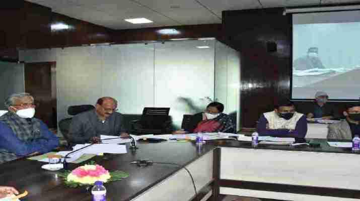 मुख्यमंत्री ने की जनपद टिहरी की विभिन्न विधानसभा क्षेत्रों के लिये की गई सीएम घोषणाओं की समीक्षा, विधानसभा क्षेत्रों को जोड़ने वाली सड़कों के निर्माण में तेजी लाने के दिये निर्देश 1