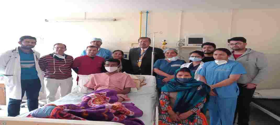 महिला दिवस- पत्नी ने किडनी देकर बचाई पति की जान, किडनी ट्रांसप्लांट के सफल ऑपरेशन के बाद पति-पत्नी दोनों पूरी तरह स्वस्थ 2