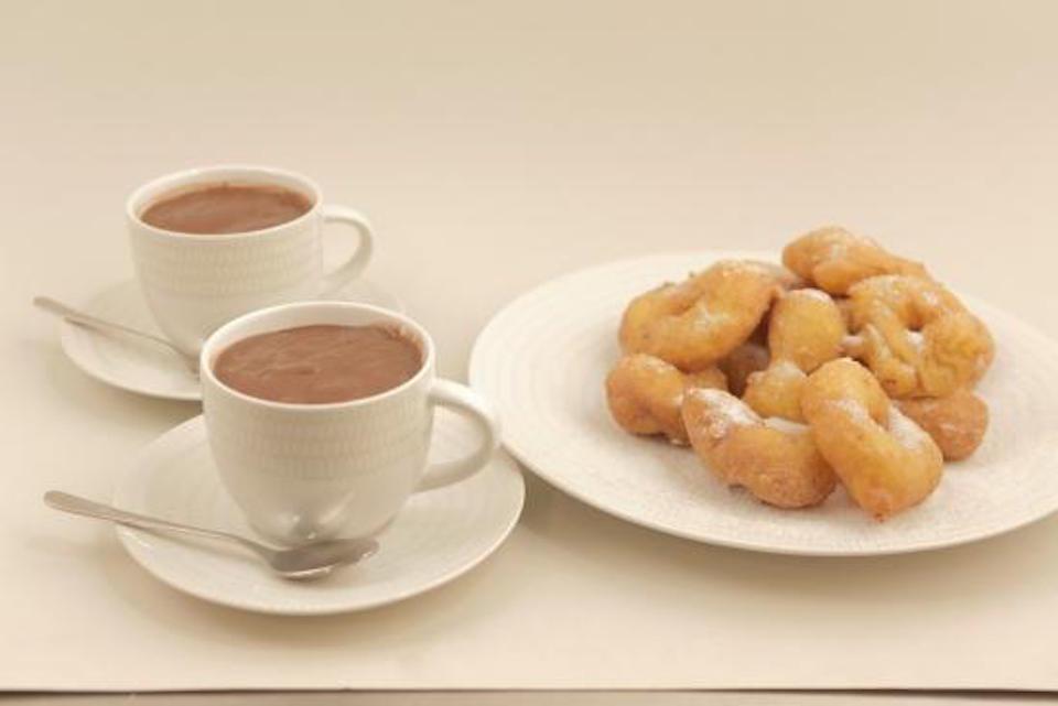 chocolate-con-bunuelos