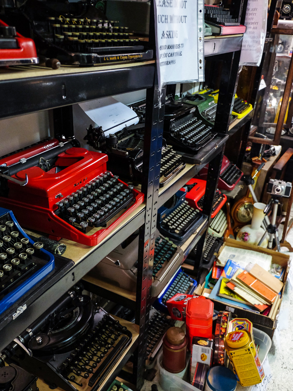 Vintage typewriters at the Brick Lane market | Hello Victoria