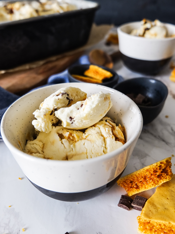 No-churn honeycomb ice cream with chocolate ribbons | Hello Victoria