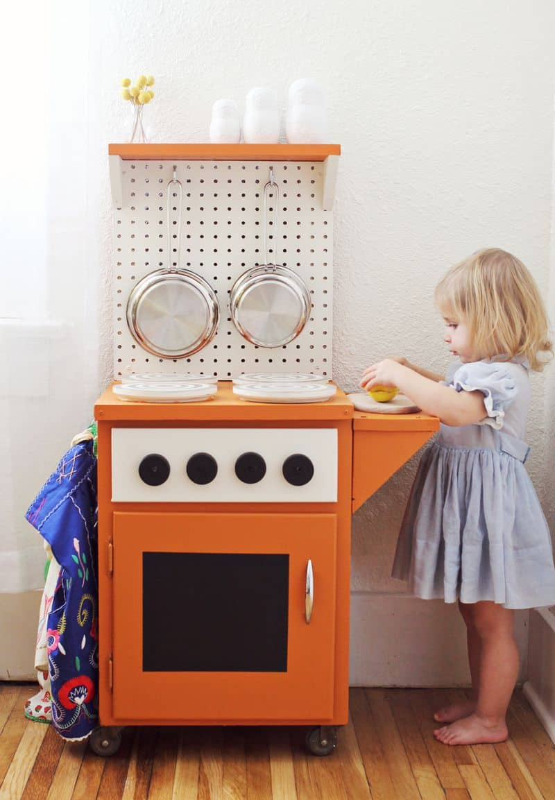 12 AWESOME DIY PLAY KITCHENS