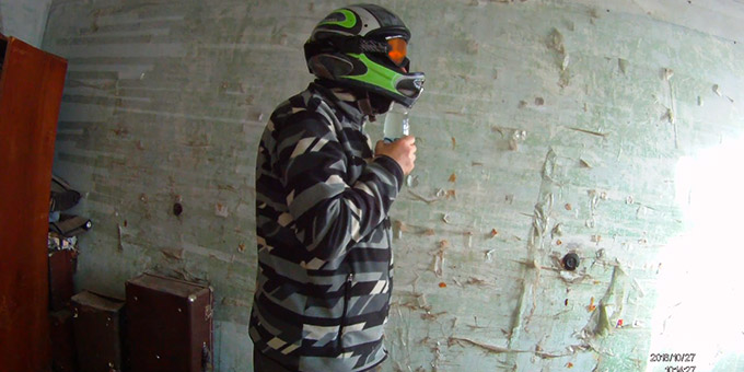 How to Drink with a Full Face Motorcycle Helmet fi