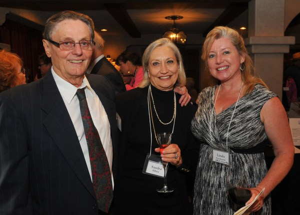 Jerry Wahlin & Sandra Allbee, with Linda Cochrane, Gala auction Co-Chair