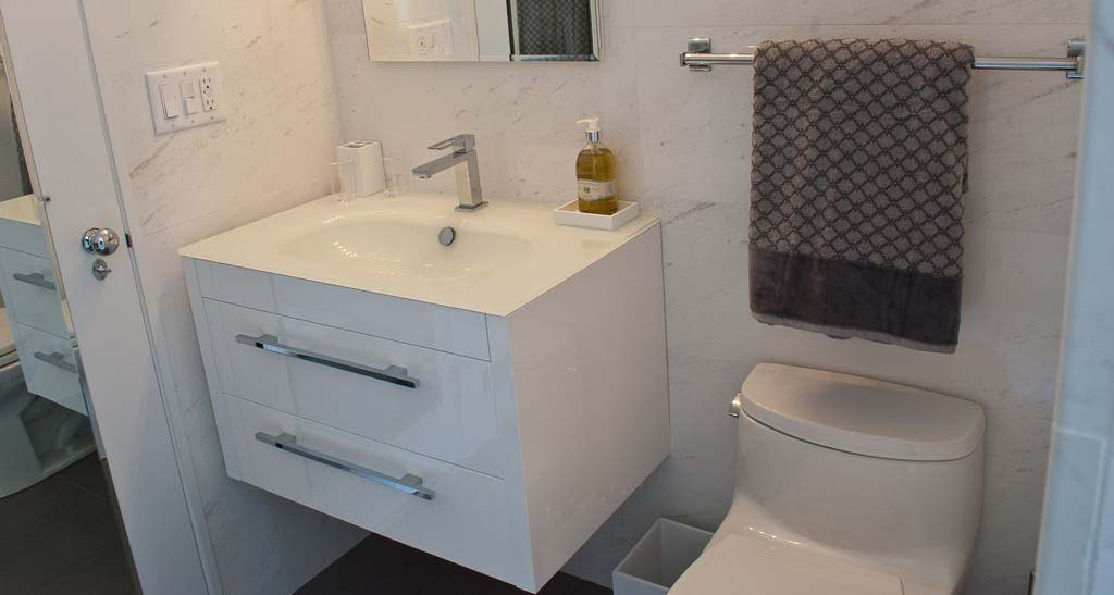 Gentil Floating Vanity In A Small Bathroom. Good Choice.