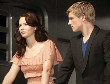 Katniss and Peeta on Train Home to District 12 Hunger Games