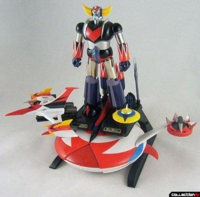 Soul-of-Chogokin-GX-04-UFO-Robo-Grendizer-japan-import-by-Bandai-0