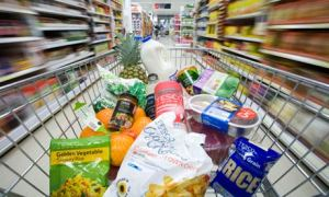 5 tips to healthy eating - shopping trolley