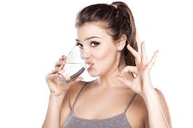 5 ways to bust a bloated stomach - Water