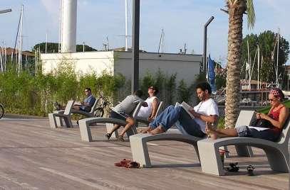 esplanade-bidassoa-lecture-chaises-longues