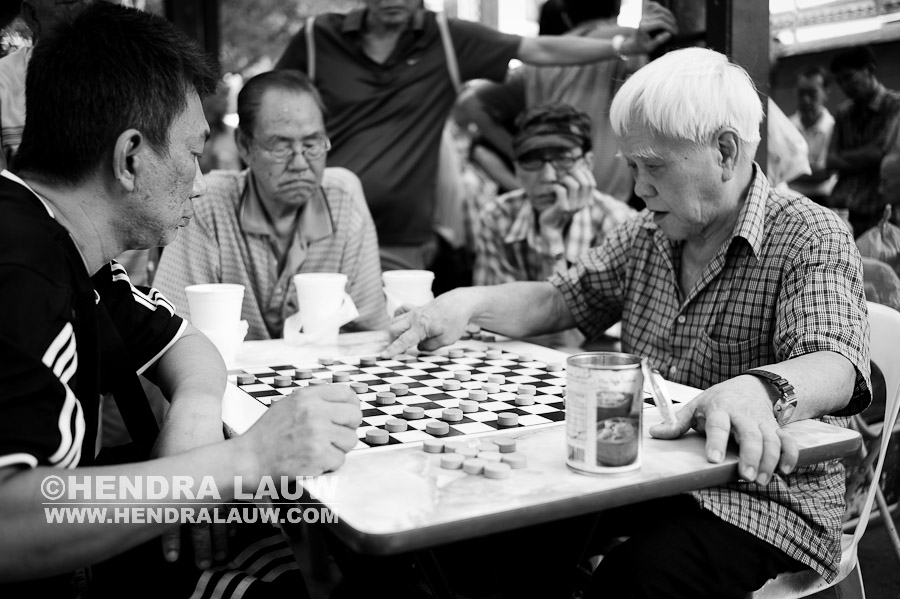 What To Shoot In Singapore – Chess Game in Chinatown