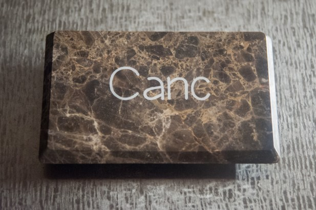marmo travertino noce e resina epossidica (15x10x1,5 cm)