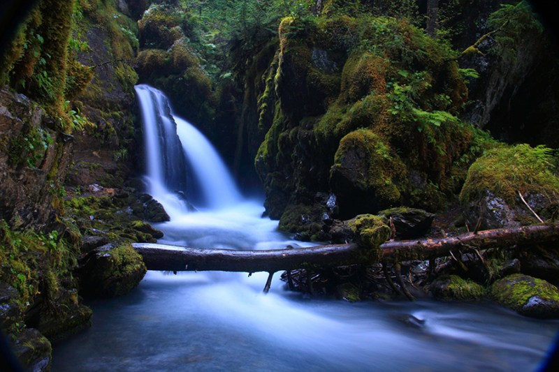 Long_exposure_of_Virgin_Creek_Falls
