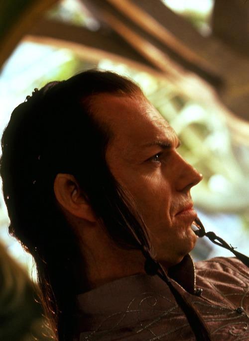 Elrond 218x300 Хоббит: обилие новых фотографий   Радагаст и др.