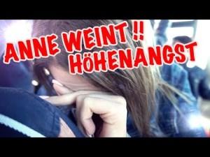 Anne weint, Vlog