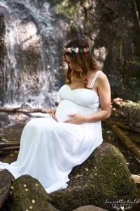 Vattenfall, gravidfotografering, Silverfallen, Skövde, Falköping, Skaraborg, Fotograf i Falköping, Fotograf i Skövde, gravid, Förälder